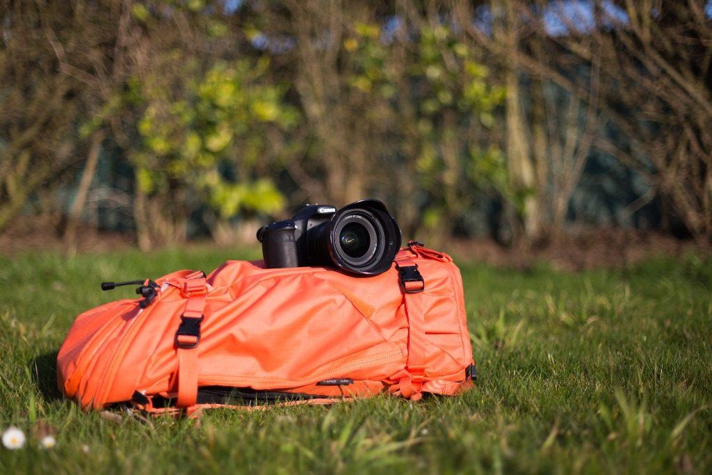 stabiliser son appareil photo sur son sac à dos